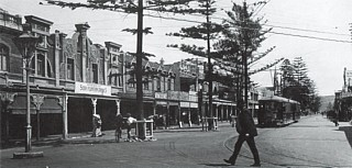 Ocean Beach end of the Corso in 1913 with Electric Tram